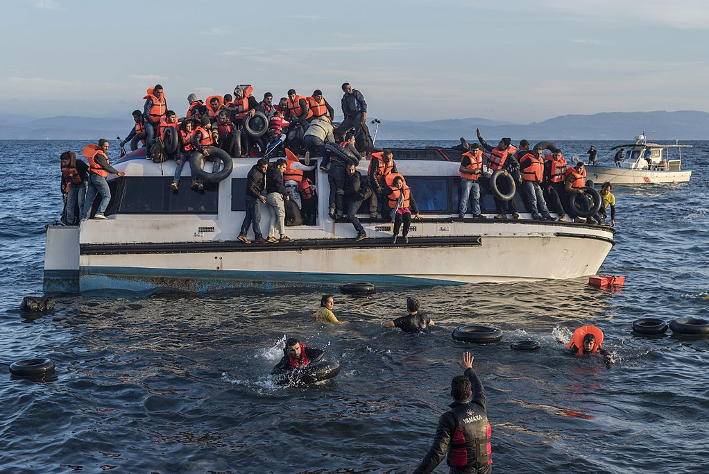 1024px-20151030_Syrians_and_Iraq_refugees_arrive_at_Skala_Sykamias_Lesvos_Greece_2