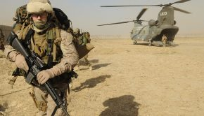 1024px-u-s-_marine_corps_sergeant_exits_an_italian_army_ch-47_chinook