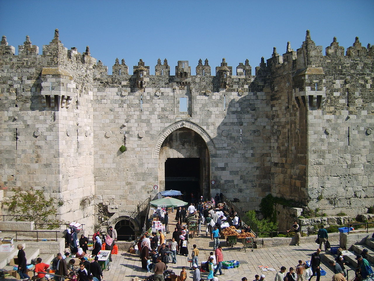 1280px-Damascus_Gate_April_2007