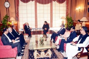 Iranian Foreign Minister Mohammad Javad Zarif meeting with Pakistani Prime Minister Imran Khan in Islamabad, August 31