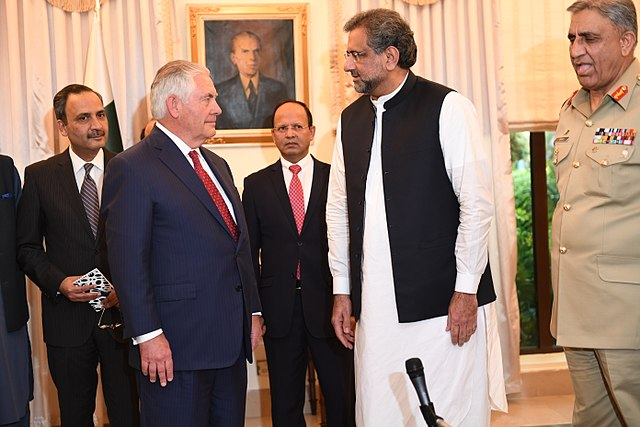 Rex Tillerson and Shahid Khaqan Abbasi in Islamabad (Wikimedia Commons)
