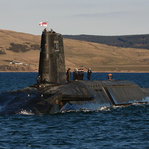 640px-Trident_Nuclear_Submarine_HMS_Victorious