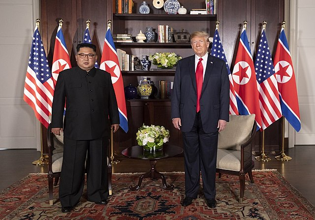 Kim Jong Un and Donald Trump (Dan Scavino Jr. via Wikimedia Commons)
