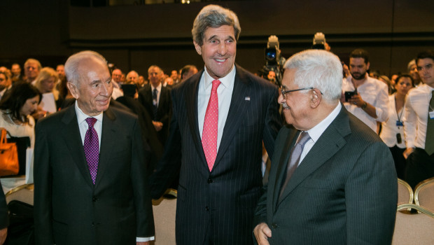Israeli President Shimon Peres, US Secretary of State John Kerry and Palestinian President Mahmoud Abbas, at the World Economic Forum, May 2013, photo courtesy of the World Economic Forum