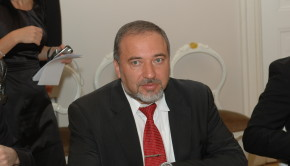 Avigdor_Lieberman_in_Latvia