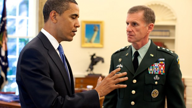 Barack_Obama_meets_with_Stanley_A._McChrystal_in_the_Oval_Office_2009-05-19