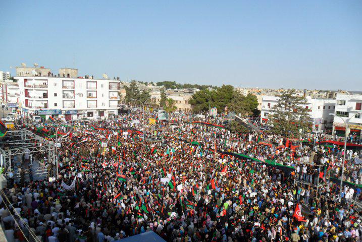 Demonstration_in_Al_Bayda_(Libya,_2011-07-22)