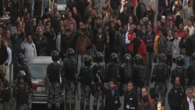 Jordan_protest_in_front_of_police2
