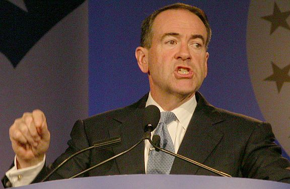 Mike_Huckabee_in_2007_in_Washington,_DC_at_the_Values_Voters_conference