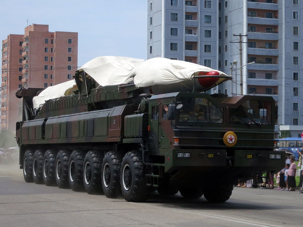 North_Korea's_ballistic_missile_-_North_Korea_Victory_Day-2013_01 (1)