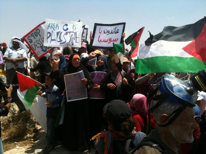 Palestinian_demonstration_against_demolish_of_the_village_susya