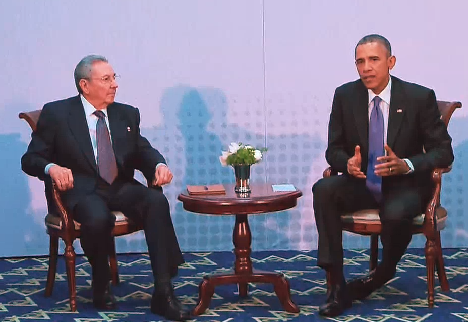 President_Obama_Meets_with_President_Castro (1)