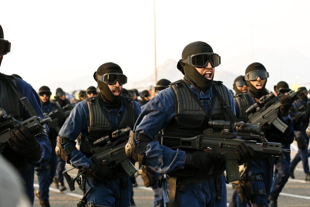 Saudi_security_forces_on_parade_-_Flickr_-_Al_Jazeera_English_(11)
