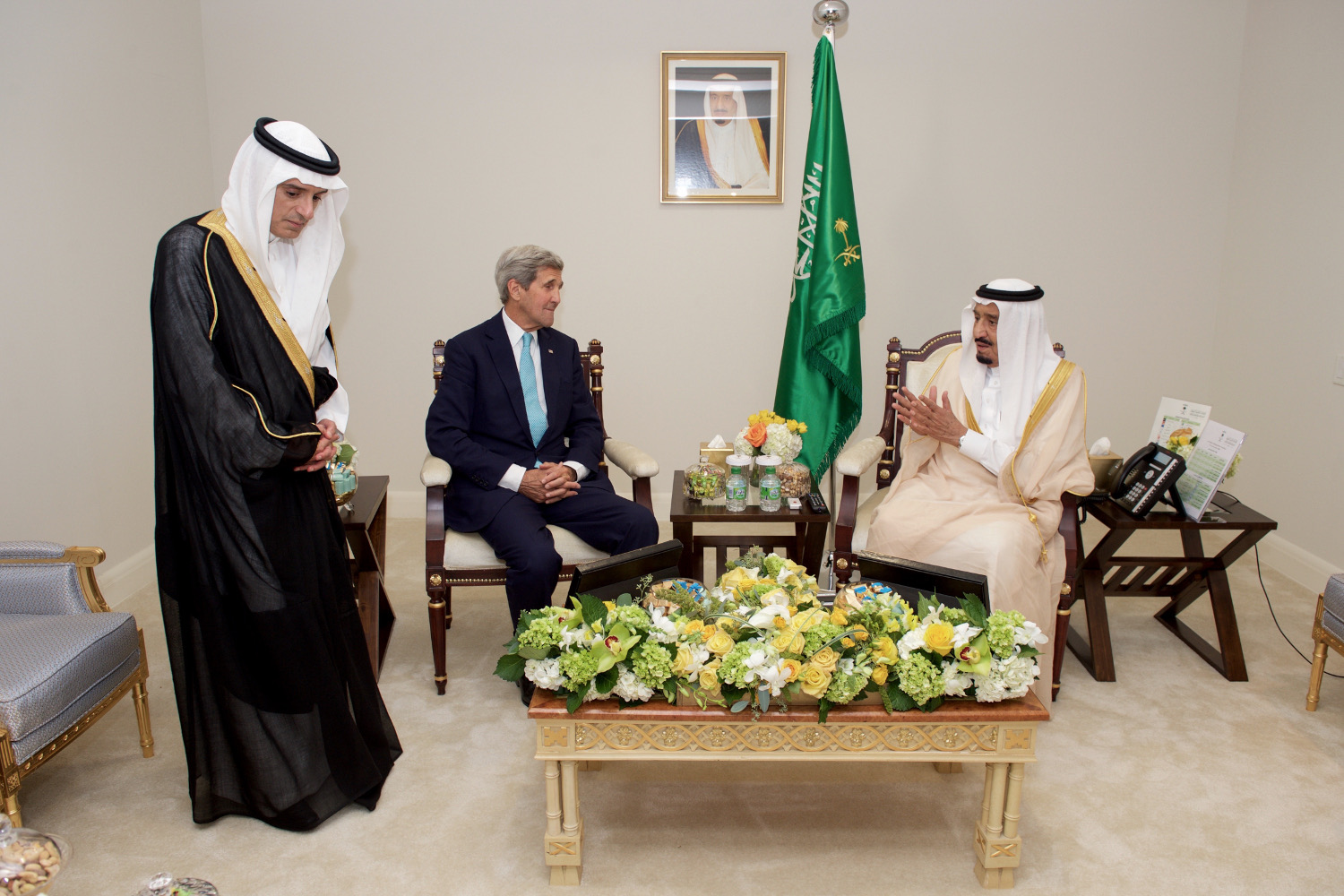 Secretary_Kerry_Sits_With_Saudi_King_Salman,_Foreign_Minister_al-Jubeir_Before_Bilateral_Meeting_in_Washington_(21148062001)