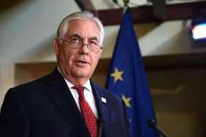Secretary_Tillerson_Delivers_Remarks_at_the_Arctic_Council_20th_Anniversary_Welcome_Reception_in_Fairbanks_(33778139953)
