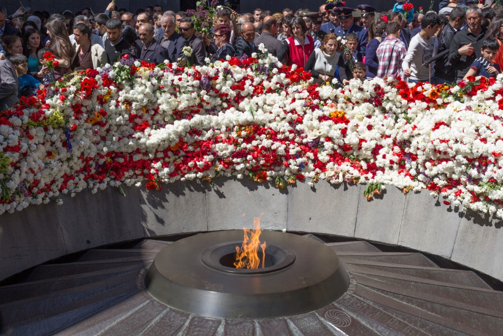 The_Eternal_Flame_-_Armenian_Genocide_Memorial_in_Yerevan