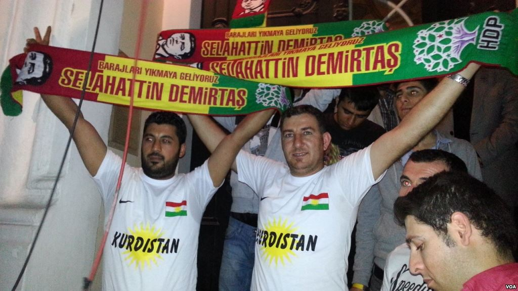 Turkish_general_election,_2015_-_Peoples'_Democratic_Party_(Turkey)_Celebration_-_Istanbul_3