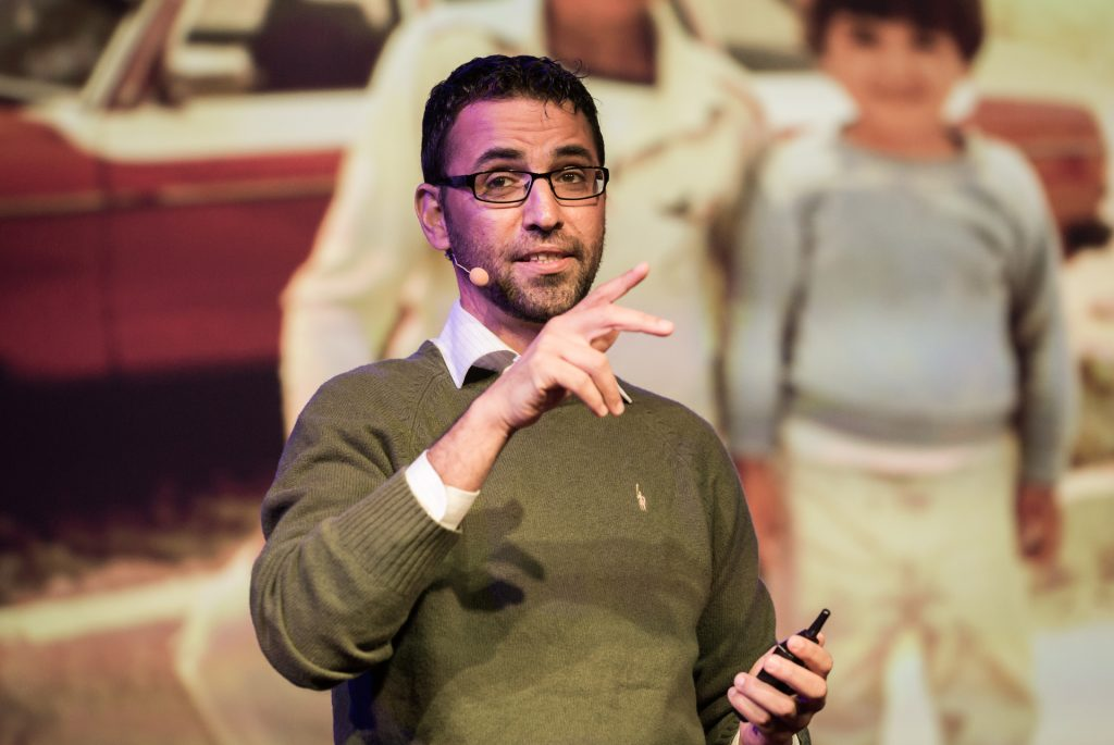 Abu Aziz Sarah, TED talk (Ryan Lash)