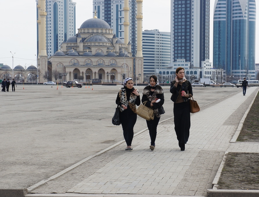chechnya-chechen-women-girls-caucasus-people-chechens1
