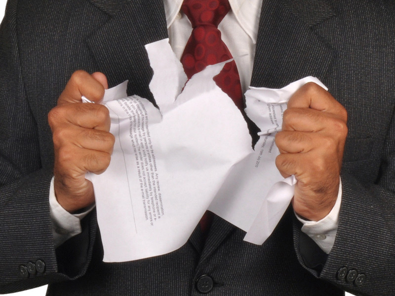 is_150916_businessman_ripping_tearing_paper_800x600